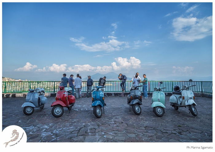 "Wine and Vespa  ""Posillipo e i vigneti di Santo Strato"""